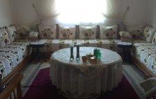 صالة مغربية كاملة بشكل منبت عصري