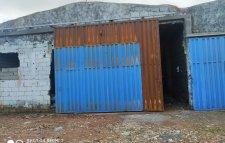 Deux magasins à louer sans superficies 800 m². À sidi moussa ben Ali .