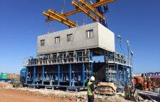 Tables vibrantes pour la production de panneaux muraux en béton